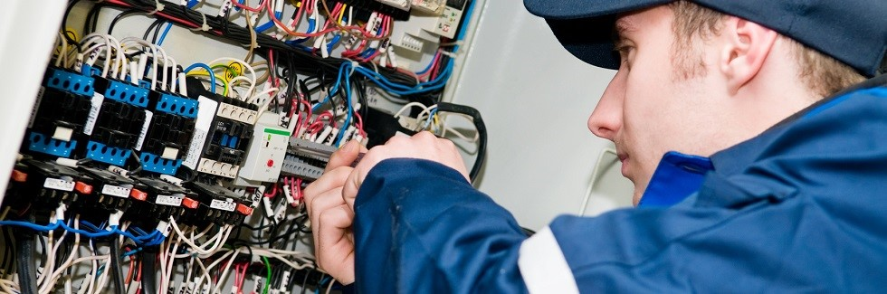 Low voltage network cabling technician
